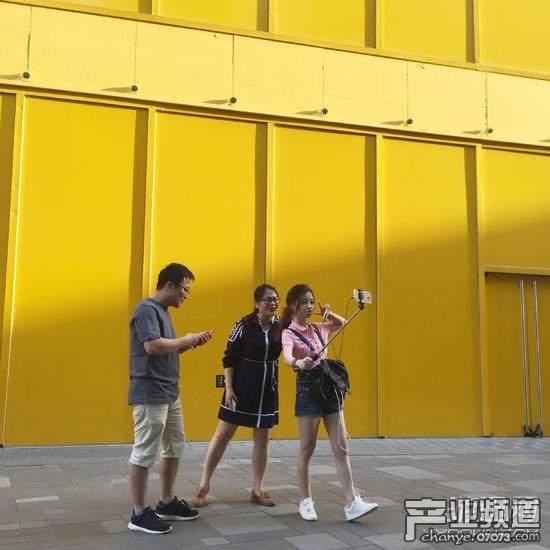冯提莫为答谢粉丝送豪礼 网友:提莫比我女朋友还可爱!