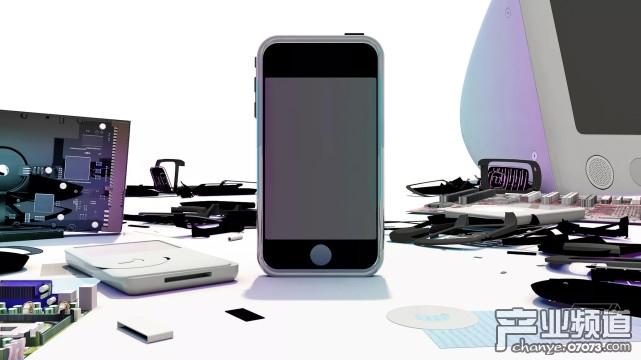 苹果iPhone十年秘闻曝光:乔布斯最初不同意开发