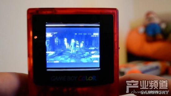 用Gameboy掌机玩《绝地求生》?全靠演技