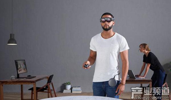 2017年AR/VR行业共筹集超过30亿美元融资