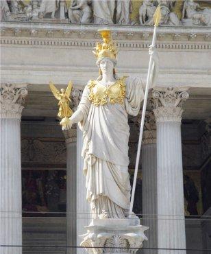 分享到:    雅典娜是希腊神话中的奥林匹斯十二神之一,她既是智慧女神