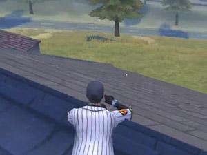 荒野行动我落在屋顶上了 楼下还有人