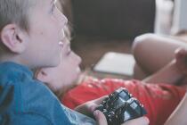 疫情防控期游戏产业报告:移动游戏市场收入近550亿